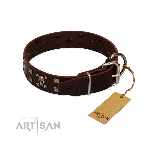 Comfy wearing flexible leather dog collar with studs