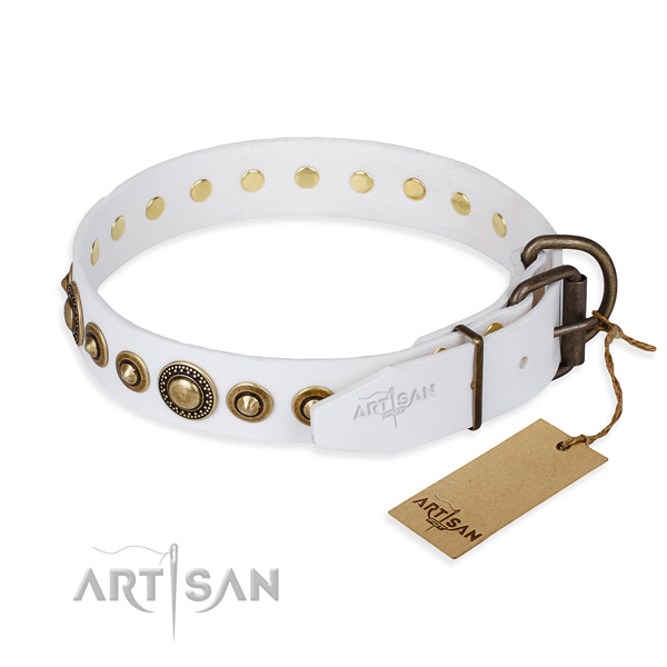 Top rate natural genuine leather dog collar crafted for comfortable wearing